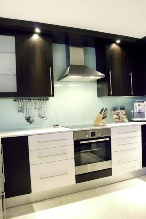 Kitchen cupboards Illovo